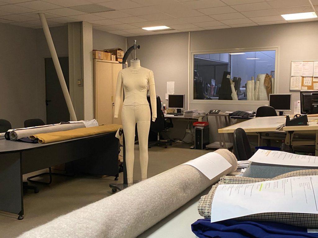 RukoLinglin une équipe de montage de prototypes spécialiste en confection textile